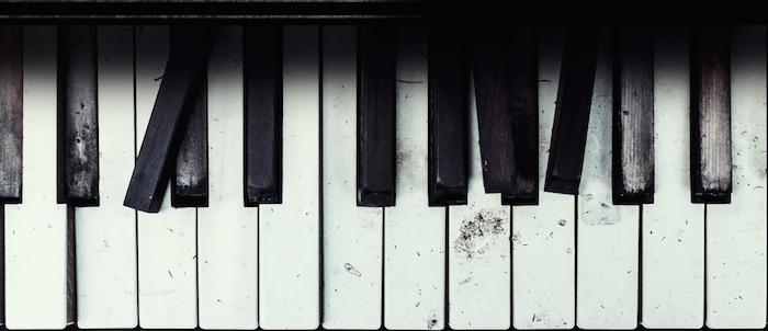 OLD BROKEN PIANO - SampleTraxx